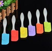espátula de utensilios de cocina al por mayor-colores mezclados utensilio de cocina de silicona personalizada espátula pincel espátula galleta con SN590 mango de plástico