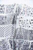 ingrosso decalcomanie di pizzo-Popolare Lace Nail Foil 16 set di nail art trasferimento fogli x 1,2 metri ogni 3D Nail Wrap Decor adesivi moda alla moda decalcomanie