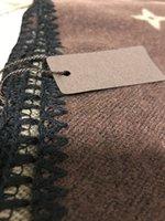 sofá vintage clássico venda por atacado-Alta Qualidade clássica marrom flor 130x155cm Vintage lã Blanket 700g L lenço Início grossos cobertores Sofá cobertores de inverno