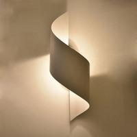 ingrosso la camera da letto a specchio led-Lampada da parete moderna Sconce specchio a LED per illuminazione domestica Decorazione Lampada da comodino Camera da letto Lampada da parete per interni