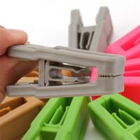 plastik çamaşırlar toptan satış-Evrensel Islak Ve Kuru Elbise askıları Kolay Kullanım ABS Plastik mandal Çamaşır 200pcs T1I1639 raf askı Resuable Tie Klip Giyim
