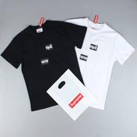 berühmte markenhemden großhandel-Marke 2019 Günstige T-shirt Berühmte Luxurys Logo Männer Frauen M L XL 2XL Herren T-Shirt Sommer O Hals Baumwolle Sommer Kurze Ärmel T-Shirt Mode