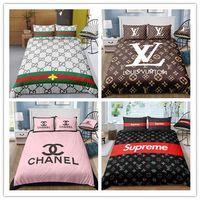 kraliçe kraliçe yatak toptan satış-% 100 polyester yataklar yazdırma 3D Modern Trend Moda Klasik logolar Desen Tek / Queen / Yataklı / King Size setleri