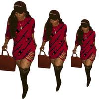 fenda da camisa de t venda por atacado-Vestidos de Luxo Letras Impresso Designer Sexy Vestido de Fenda Lateral Roupas Boate Off-the-ombro T Shirt para As Mulheres de Verão
