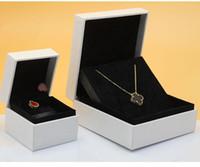 balyoz saklama kutuları toptan satış-Klasik takı charm kutuları küçük küpe yüzükler boncuk kutusu büyük bileklik kolye kutuları hediye saklama kutusu kasa ile siyah kadife astar