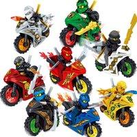 ninja moto venda por atacado-8pcs Lot Fantasma Ninja Tornado Motorcycle Chariot Veículo Kai Garmadon Cole Ninja Mini Toy Figura Blocos de Construção de tijolo com espadas Moto