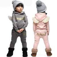 trajes de ala de bebé al por mayor-Angel Letter Wing Girls Conjuntos de ropa para bebés Traje 2019 Deportes de invierno Ropa de abrigo Trajes Ropa de niños Conjunto Chándal