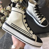 top italienische schuhmarken großhandel-Stoff und Lammfell High Top 19c Up Vintage Sneakers Herren Luxus Designer Schuhe Damenmode Canvas Trainer italienische Modemarke Schuhe