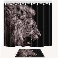 ingrosso tessuti di leone-Set di tende per doccia nere, animali della foresta di leone, decorazioni per bagno in tessuto di plastica poliestere 69 x 70 pollici con ganci e antiscivolo