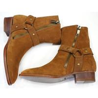 zapatos de cuero marrón para hombres al por mayor-Wyatt cadenas de moda del motorista de las botas del tobillo Zapatos para hombre punta estrecha hebilla Hombres Botas de cuero marrón zapatos de vestir de los hombres Botas Militares Zapatos Hombres wr0
