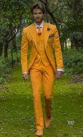 graue tuxedo gelbe krawatte großhandel-Mode Gelb Grau Bräutigam Smoking Kerbe Revers Groomsmen Mens Hochzeitskleid Stattlicher Mann Jacke Blazer 3 Stück Anzug (Jacke + Pants + Weste + Tie) 927