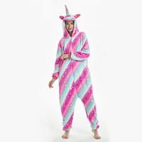 pijamas kigurumi trajes de animales al por mayor-Rainbow Unicornio Pijamas Adultos Animal Onesies para Mujeres Pijamas Traje de dibujos animados Kigurumi Uincorn Hombres Ropa de dormir de franela de invierno