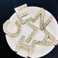 trajes de mujer bling al por mayor-Mujeres Rhinestone Carta Broche Conjunto Oro Plata Bling Bling Bling Rhinestone Diseñador Carta Broche Traje de solapa Pin de alta calidad