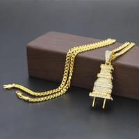 satılık altın kolye toptan satış-Sıcak Satış Klasik Fiş Kolye Tasarımcı Kolye Altın Gümüş Kaplama Buzlu Out Kolye Lüks Rhinestone Erkek Kolye Küba Bağlantı Takı