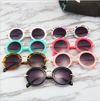 Wholesale Kids Round Vintage sunglasses Boys Sport Shade Sun Glass Girl Flower Print Eyewear Fashion Children Summer Beach Sunblock Accessorie DYP1053