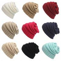 gorro de mujer al por mayor-Moda Mujer Beanie Sombrero Color sólido Invierno Cálido Sombrero de punto Señora al aire libre Skullies Crochet Ski Cap TTA1687