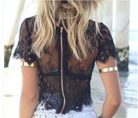 laço preto maduro venda por atacado-Verão senhora lace branco preto tops manga curta zipper oco tops terno maduro feminino novo design tops