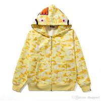 suéteres cardigan amarillos para mujeres al por mayor-Venta al por mayor Otoño Invierno Hombres Mujeres Camo Plus Velvet Sport Hip Hop Suéter Amante Amarillo Azul Rosa Camo Hooded Hoodies Jacket
