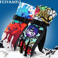 Wholesale Winter designer ski gloves outdoor windproof waterproof plus velvet thickening hiking riding men and women models cold warm gloves