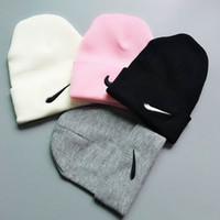 kadın için örme kapaklar toptan satış-UA Marka Örgü Kasketleri Caps Erkekler Kadınlar Kafatası Kap Tasarımcı Şapka AD NK Örme Şapka Genç Hip Hop Beanie Kış Kayak Kar Açık Şapka Caps C9302