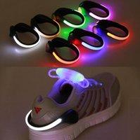 pinzas de ciclismo al por mayor-LED luminosos Zapatos de clip de luz de la noche de seguridad Advertencia Noche zapatillas deportivas clips de seguridad ciclo de los deportes de advertencia GGA3124 Luz