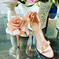 sandalias cubiertas dedos al por mayor-Moda Flor Novedad Sandalias Mujer Tacones finos sólidos Tacón Tacón Zapatos de mujer Correa de tobillo Peep Toe Sandalias súper altas