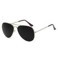 pin brillen großhandel-1pcs Anti-Myopie Pin-Loch Brille Pin-Loch-Sonnenbrille-Augen-Übungs-Sehvermögen Natural Healing Vision Care Brill