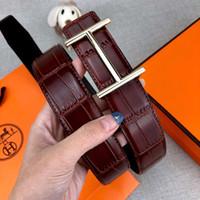 línea más suave al por mayor-Líneas de cocodrilo de moda Cinturones de diseño Cinturón de lujo para hombre Mujer Cinturones de marca Casual Hebilla lisa Rojo Negro Ancho 34 mm Alta calidad con caja