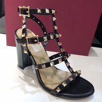 zapatos slingback de diseñador al por mayor-Nuevo diseñador de lujo Sandalias de tacón Slingback de cuero genuino Bombas Señoras Tacones altos atractivos 6.5cm 9.5cm Zapatos de remaches de moda 15 colores