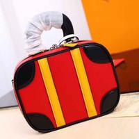 Wholesale fiber leather resale online - Hot fashion retro handbag designer handbag leather chain messenger bag and shoulder bag gift bag