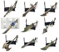 pendentif épée en alliage achat en gros de-Divers 10pcs style de boucle clé LOL jeu League of Legends Weaponry Modèle Porte-clés Blade Master Pendentif alliage épée clés anneau de métal Galen