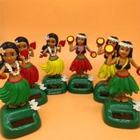 güzel bebekler yeni toptan satış-Dans Kızlar Süs Hula Kız Bebek Güneş Enerjisi Araba Dekorasyon Oyuncak Güzel 11 Cm Yeni Varış 6 5ln D1kk