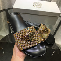 siyah pembe kadın üstleri toptan satış-Kadınlar BAROQUE MEDUSA SLIDES Lüks Tasarımcı Erkek Sandalet Moda Yeni Rahat Ayakkabılar En Kaliteli Bayan Terlik Boyutu 35-45 Siyah Pembe
