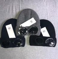 rugas de rugby venda por atacado-Dois vidros do CP gorros EMPRESA Outono Inverno quente malha chapéus cabeça dura tampas CP óculos chapéu gorros