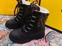 sapatos de patentes de meninos venda por atacado-Sapatos de crianças botas de borracha crianças Patente couro Botas Rapazes Meninas impermeáveis Botas Botas Plush neve Criança Sapatilhas