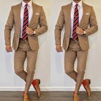 braune farbe heiße jacke großhandel-Heiße braune Farbe WeddingTuxedos 2019 Revers Slim Fit Rückenschlitz Groomsmen Herrenanzüge 2-teiliger Anzug (Jacke + Hose