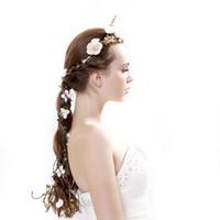 yapay çiçek düğün saçları toptan satış-Simülasyon Çelenkler Gül Manuel Rattan Saç Bandı Çiçek Taç Düğün Gelin Gelinlik Dekoratif Yapay Çiçekler Süsler 10 5cx E1