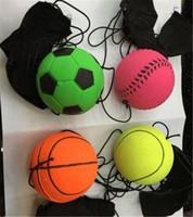 lanzar juego de pelota al por mayor-Nuevo 63mm Lanzamiento Bounce Goma Muñequera Bola Divertida Reacción elástica Bolas de entrenamiento Juguetes antiestrés Juguete para mascotas Juego al aire libre en interiores
