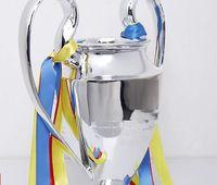trofeos de resina al por mayor-Nuevo 2019 Resin C League Trophy Eur Soccer Trophy Fanáticos del fútbol para colecciones y recuerdos plateados 15cm 32cm 44cm tamaño completo 77cm