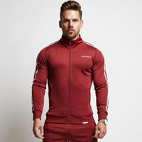 верхний верх костюма оптовых-Jogger спортивные костюмы Мужские тонкий тренажерный зал костюмы сторона полосатый молния топы толстовки длинные брюки костюмы 2 шт. Hommes фитинг активный черный красный спортивные костюмы
