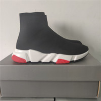 apartamentos vermelhos venda por atacado-2019 Tamanho 36-45 Speed ​​Trainer Runner Sneakers Black Red Triplo Preto Oreo Moda planas Meias Botas Casual Shoes