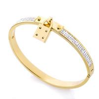 travamento de pulseiras venda por atacado-Qualidade superior de Luxo Designer de Jóias Mulheres Pulseiras de Aço Inoxidável Cuff Bracelet Pave Silver Rose Tom de Ouro Encantos Bloqueio Pulseira Jóias