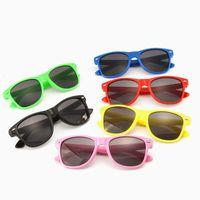 sevimli erkek güneş gözlüğü toptan satış-Çocuklar Bebek sevimli Uv Güneş Gözlüğü Güneş gölgeleme Gözlükler Kız Erkek Sunglass açık havada seyahat renkli türleri Aksesuarları gözlük oyuncak QQA219