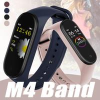 presión arterial inteligente iphone al por mayor-Fitness Tracker M4 Pulsera inteligente con frecuencia cardíaca Presión arterial Salud Pulsera Sport Smart Watch para iPhone Android Celular con caja