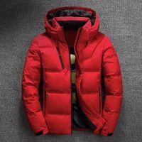 mode schnee parka großhandel-Winterjacke Herren Qualität Thermal dicken Mantel Schnee Rot Schwarz Parka Männlich Warm Outwear Mode Weiße Duck Down Jacket Men