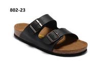 homens cortiça chinelos venda por atacado-Designer de arizona 2018 venda quente de verão mulheres e homens preto branco sandálias de apartamentos chinelos de cortiça unisex sapatos casuais impressão cores misturadas