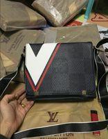 bolsas de couro preto para homens venda por atacado-2019 Marca Designer Homens Bolsa De Couro Genuíno Maleta Preta Laptop Bolsa de Ombro Messenger Bag 30 CM