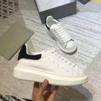 en iyi parti ayakkabıları toptan satış-Moda Lüks Tasarımcı Ayakkabı Bayan Erkek Eğitmenler En Deri Platformu Ayakkabı Düz Rahat Parti Düğün Ayakkabı Süet Spor Sneakers Loveres