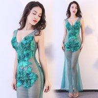 göttin kleid grün großhandel-Grüne Göttin kleidet aufgefüllte Perspektive-Fischschwanz-Spitze-Kleider im Freiennachtklub-Partei-dünne Entwerfer-Kleider Freies Verschiffen
