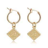 charme quadratische muster großhandel-1 paar Vintage Königin Kopf Muster Anhänger Creolen Gold Farbe Quadratische Geometrische Endlosen Kreis Ohrringe Schmuck E102-6